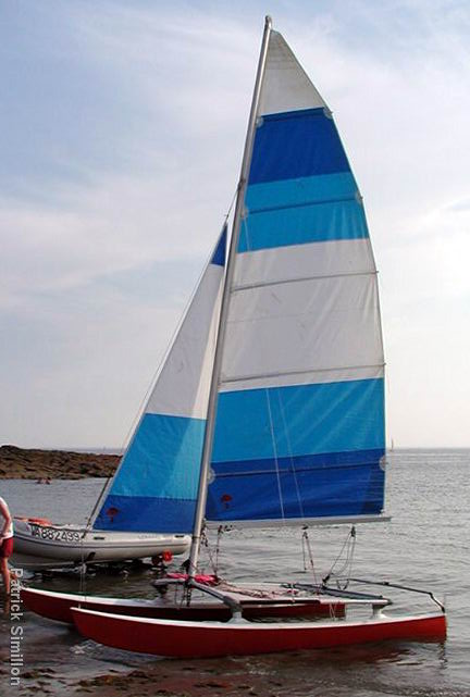 Hobie Cat 14 http://www.nauticaltrek.com/4925-hobie-cat-14-turbo